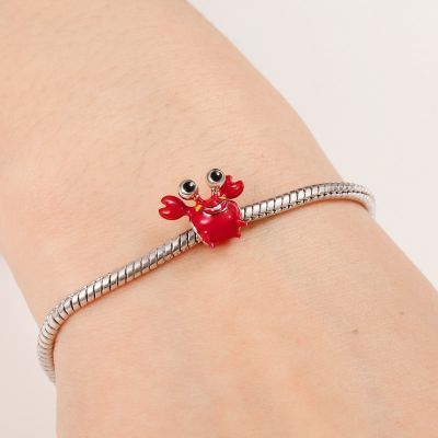 Lovely Crab Charm